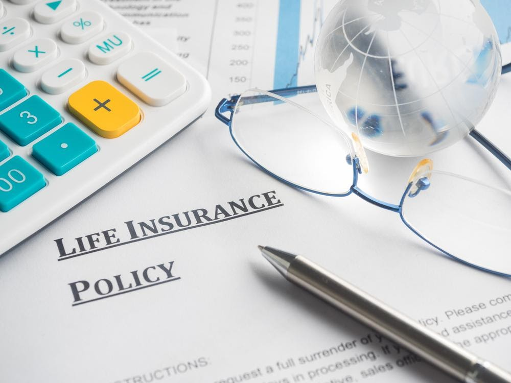 Choosing the best insurance policy